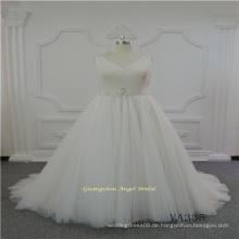 V-Ausschnitt ärmellose Tüll Brautkleid mit Gürtel Dekoration