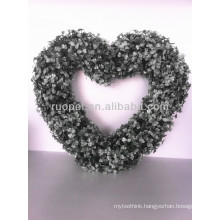New style artificial heart shaped garland plastic wreath for window shop decoration