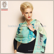 Écharpe châle à laine à la longue et à faible gradient de qualité