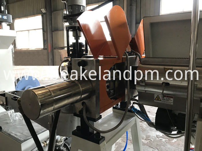 Compactor single stage pelletizing line