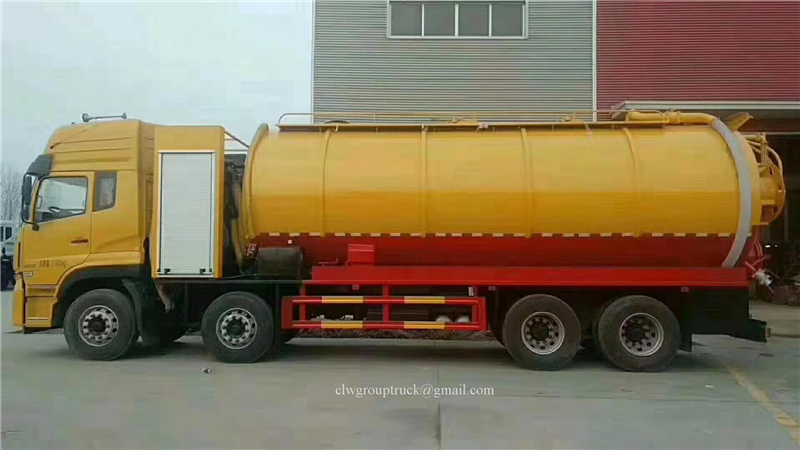 8x4 Suction Truck 4