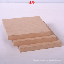 Contrachapado de pino, buena calidad 4 * 8 pies mejor precio MDF sin procesar