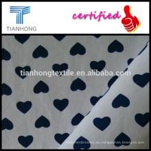 impresión de pequeño corazón en popelín de algodón de fondo blanco 100 camisas de tela de la armadura
