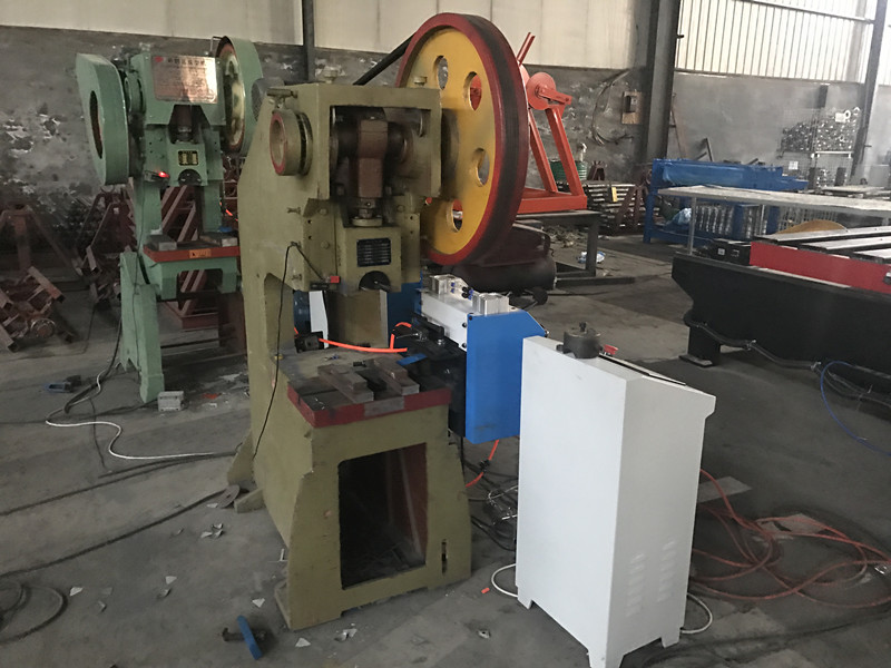 Hoge snelheid punch press