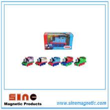 Alliage de retour Magnetic Thomas Locomotive Toy avec la lumière et le son