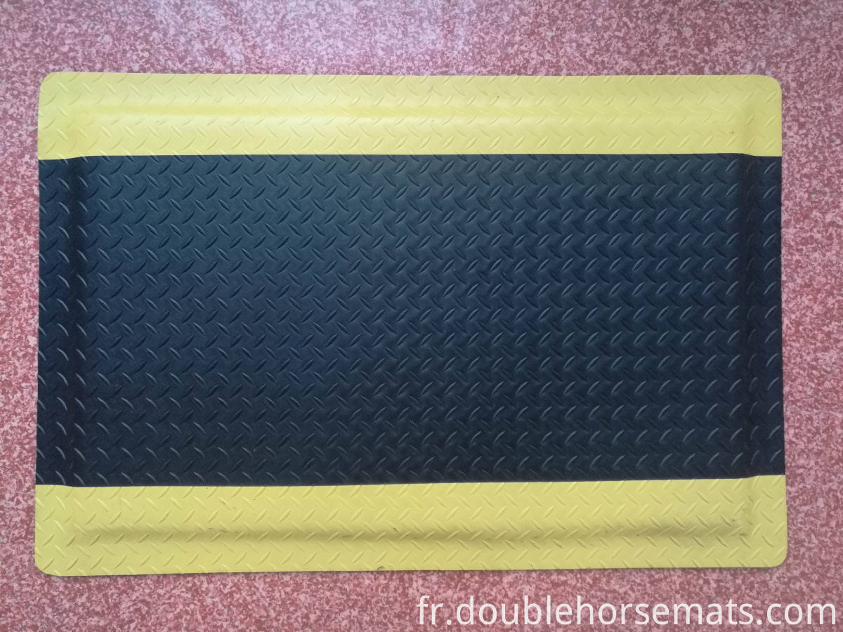 Durable industrial anti-fatigue mat