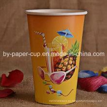Taza de papel clásica bebida fría