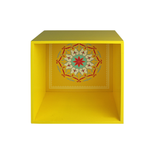 Yellow rectangular-shaped seal on three sides display