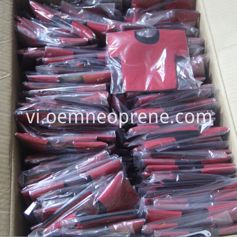 Packing Of T Shirts Can Holders 2