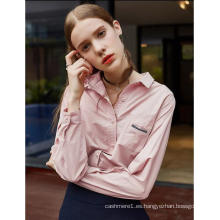 Camisa de manga larga de color rosa claro con mangas largas para mujer