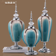 jarrones de porcelana color polvo con tapa de hierro inmejorable y soporte de metal para la venta