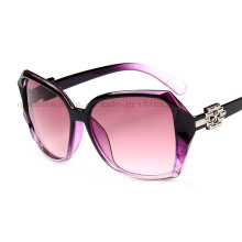 OEM Fashion Plastic Sunglasses with New Design for Promotion