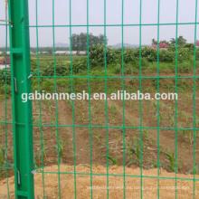 La alta calidad 4x4 galvanizó la cerca soldada del acoplamiento de alambre