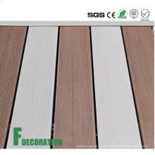 Decking al aire libre compuesto de madera del bajo costo UPVC