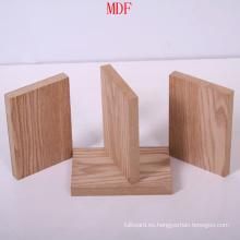Tablero de MDF liso con alta calidad