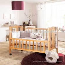 Berço de madeira para bebé