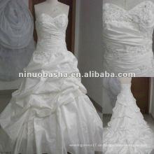 Atemberaubende Stickerei Echtes Muster Hochzeitskleid