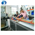 Linha plástica da máquina da produção da extrusão da extrusora do perfil da porta da janela do PE WPC do PVC
