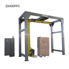 Máquina empacadora de película extensible con brazo giratorio