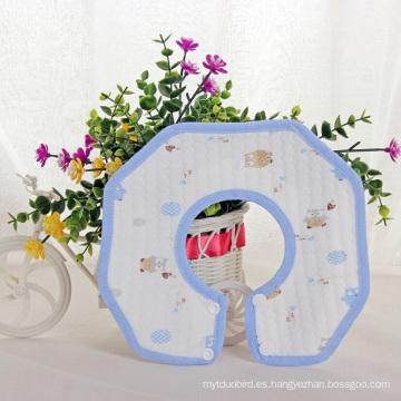 Babero octogonal de 360 grados con estampado encantador
