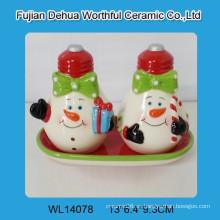 Navidad sal de cerámica y par de pimienta para la cocina