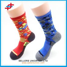Männer Camouflage Patterned Field General Elite Vapor Fußball Socken / Custom Bein Kompression Running Ärmel Socken für Sport
