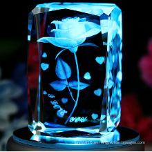 Atractivo diseño 3D Laser Crystal Cube con base de rotación