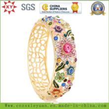 Мода и красивые ювелирные браслеты для женщин