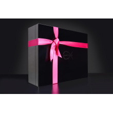 Boîte cadeau avec ruban adhésif