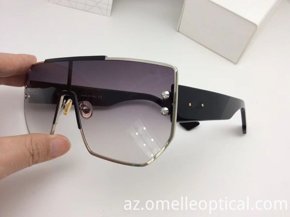 Fashion Sunglass Accessories