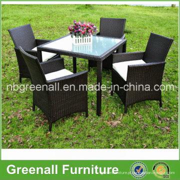 Kd Style 4 Seater Rattan mesa de jantar e Cadeiras Set