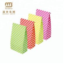 Tailles de papier kraft assorties de paquet de nourriture de tailles assorties pour le cadeau avec les autocollants de cachetage faits sur commande