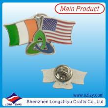 Esmalte macio de metal personalizado dois países amizade bandeira crachá