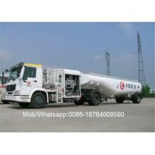 Camión dispensador de combustible HOWO 4x4 RHD