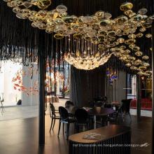 Lámpara colgante de lujo cristalina personalizada colorida creativa del vestíbulo del restaurante