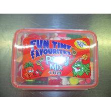 Mezclar gelatina en la caja de almuerzo