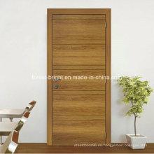 Chapa de diseño interior a ras de puerta de madera