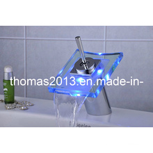 Battery Power LED Basin Faucet (QH0801F)