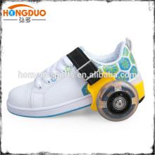 Chaussures à roulettes rétractables pour jouets pour enfants