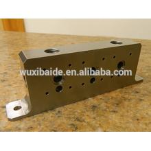 Cnc алюминиевый куб с центрированным резьбовым проходом для мебели / малая обработка деталей из алюминия cnc