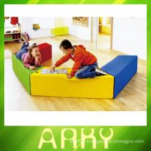 Intérieur souple se sied tabouret pour enfants