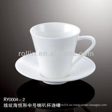 Taza de porcelana blanca y durable especial sana y platillo