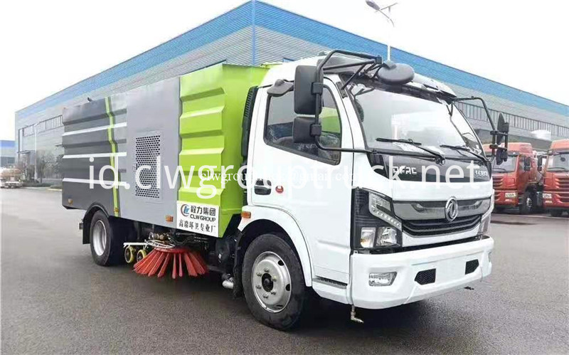 Road Sweeper Truck 3