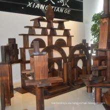 Diseño arquitectónico jardín de infancia madera edificio inacabado bloques de madera