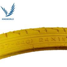 pneu de bicicleta de cor amarela