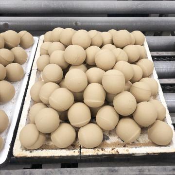 Boule en céramique d'alumine inerte résistante à l'abrasion pour broyeur à boulets