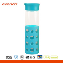 Großhandel 550ml Borosilikat blaue Glasflasche mit neuer Silikonhülle