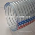 Tubo de manguera de succión de agua reforzada alambre de acero galvanizado espiral de nylon flexible del poliéster del PVC