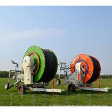 Machine agricole utilisée par tuyau d'irrigation de rétraction automatique