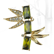 VAGULA Green Bamboo Gold Plating Rhinestone Brooch